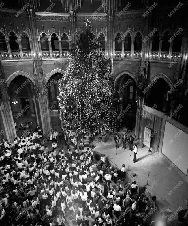 Parlamenti karácsony 1977-ben