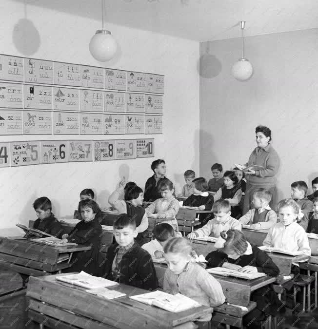 Oktatás - Új iskolaépület Hódmezővásárhelyen