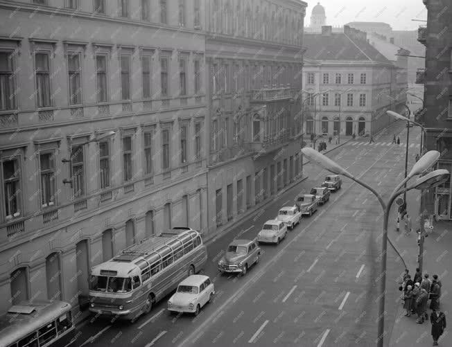 Közlekedés - Déli csúcsforgalom Budapesten