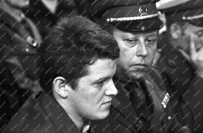 Bűnügy - Halálbüntetés - Miskei Imre gyermekgyilkos pere