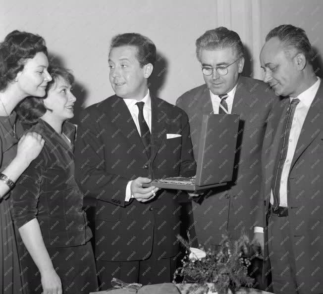 Kitüntetés - Nemzeti Színház: Irkucki történet