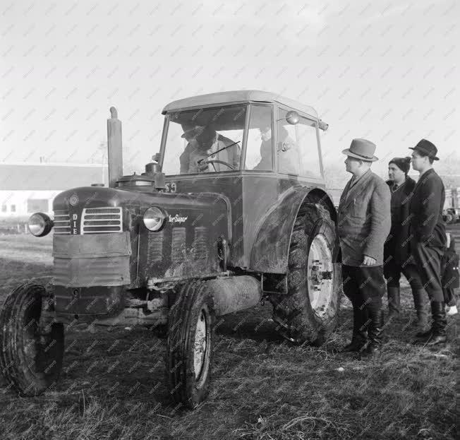 Mezőgazdaság - Oktatás - Üzemegység-vezetők továbbképzése