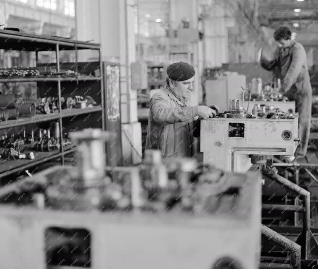 Ipar - Csepel Művek Szerszámgépgyára