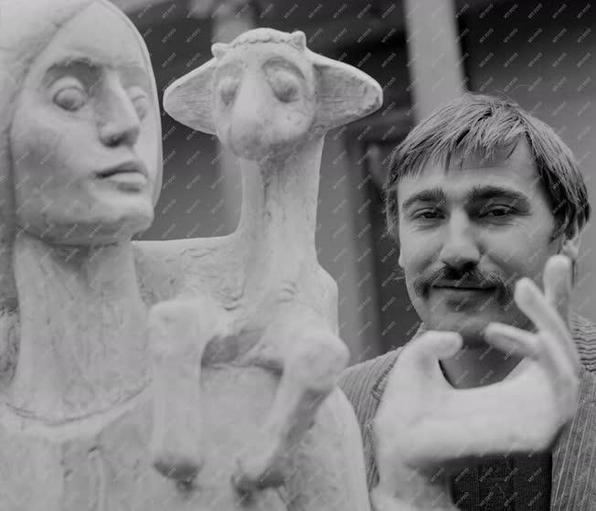 Kultúra - Kő Pál és szobra