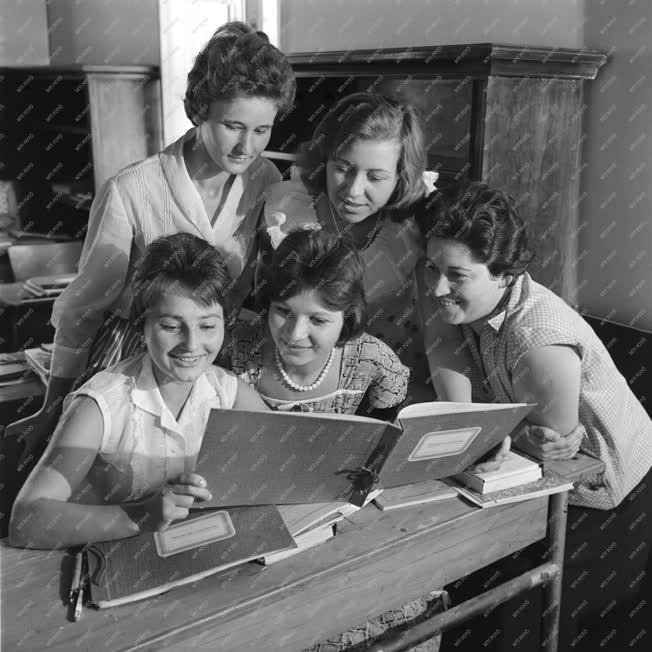 Oktatás - Nagytétényi könyvelő iskola