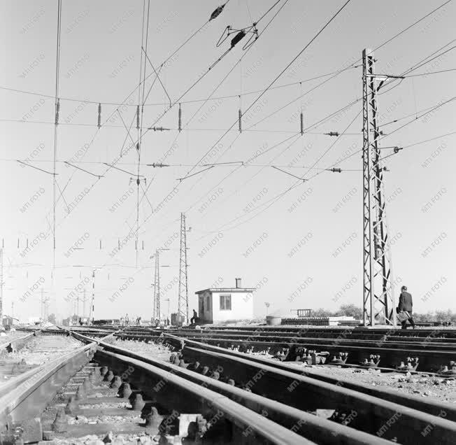 Ipar - Energiaipar - A füzesabonyi villamosított vasúti pálya