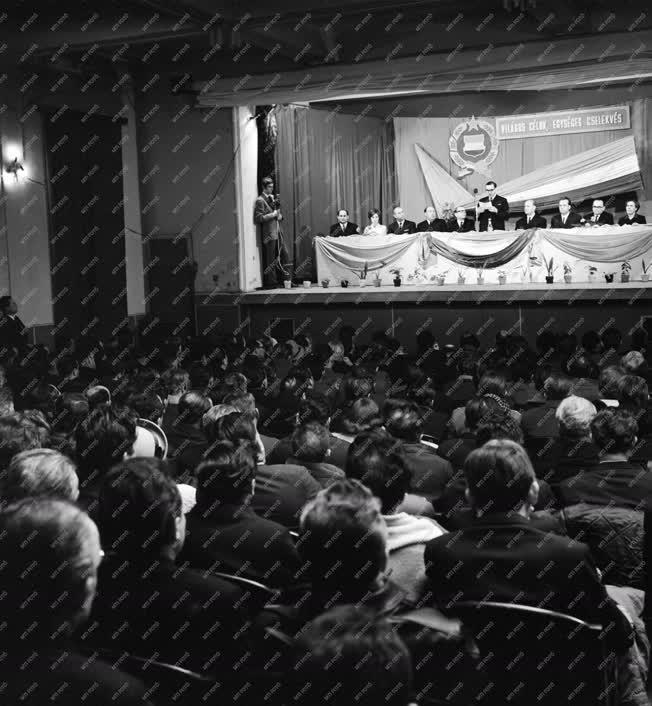 Belpolitika - Országgyűlési képviselő-választási nagygyűlés Barcson