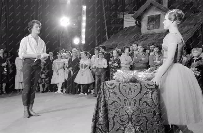 Kultúra - Orosz Adél köszöntése operaházi jubileuma alkalm