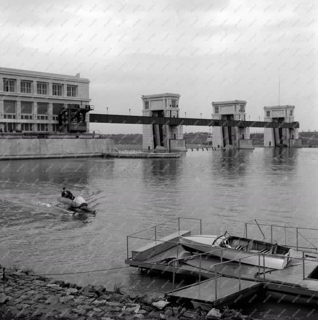 Energia - Csúcsenergia termelési kísérlet a Tiszalöki Erőműnél