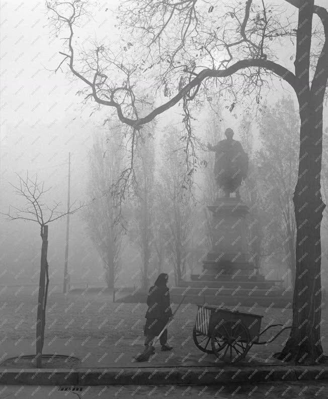 Városkép - Időjárás - Ködös Budapest