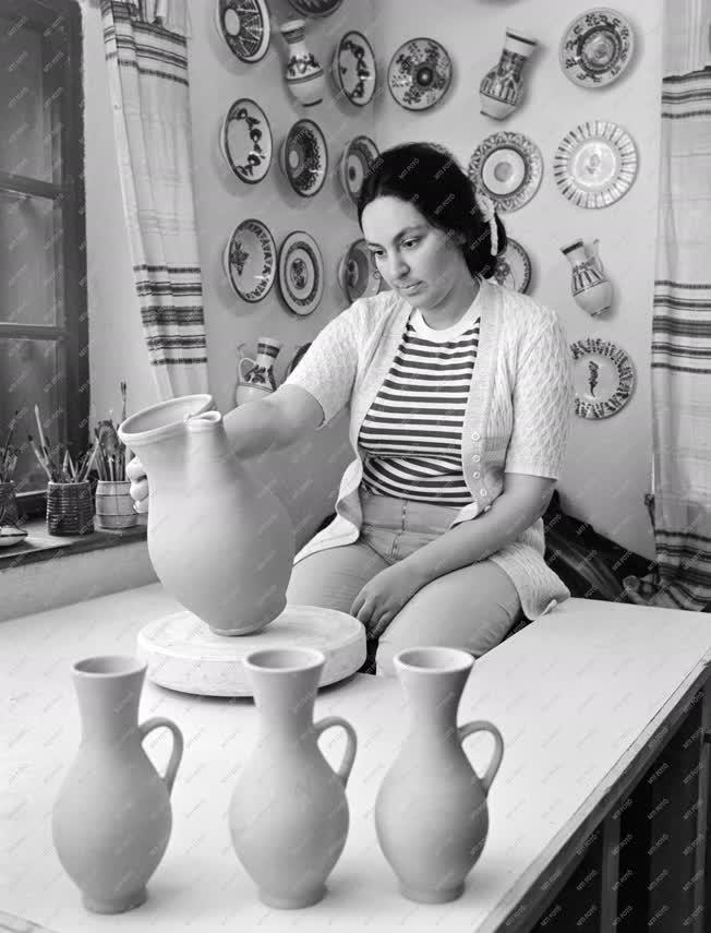 Kultúra - Iparművészet - Barth Lídia keramikus