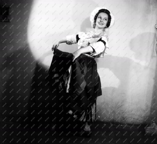 Kultúra - Bordy Bella táncművész