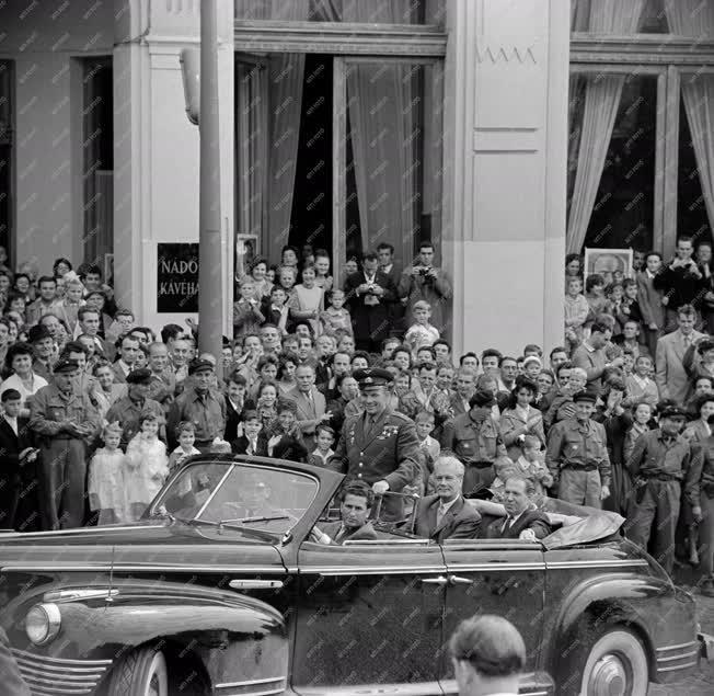 Ünnep - Augusztus 20. - Jurij Gagarin Pécsett