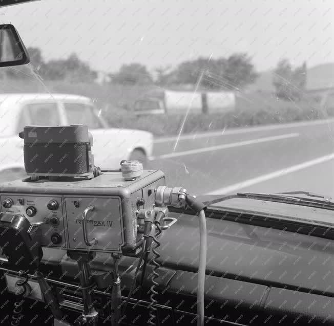 Közlekedés - Trafipax az M7-esen
