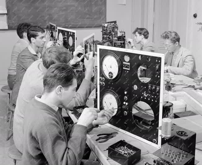 Oktatás - Politechnikai órán