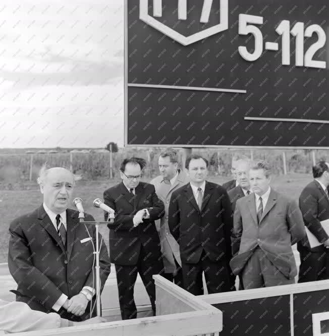 Belpolitika - Közlekedés - Az M7-es autópálya átadása