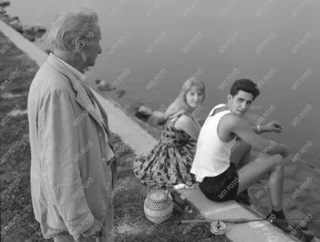 Sport - Ejury Lajos, a Balaton első átúszója