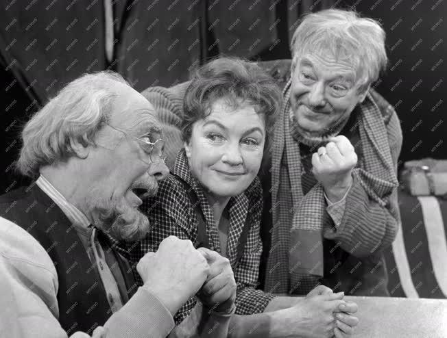 Kultúra - Színház - O'Casey Az Ezüst kupa