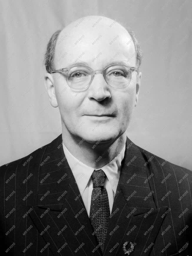 Díj - Kossuth-díjasok - Schay Géza kémikus