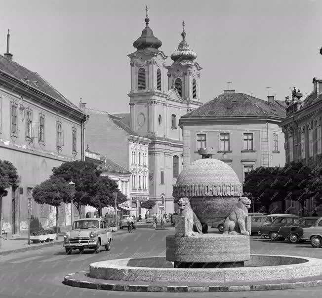 Városkép-életkép - Székesfehérvár belvárosa