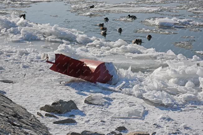 Hideg időjárás - Vác - Jégzajlás a Dunán