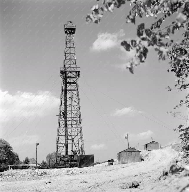 Ipar - Nagylengyeli olajmezők