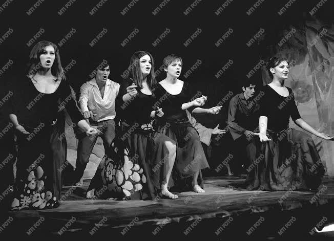 Kultúra - Színház - Irodalmi Színpad