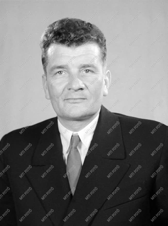 1961-es Kossuth-díjasok - Oláh János