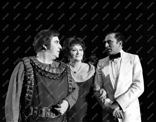Színház - Opera - vendégfellépés az Erkel Színházban