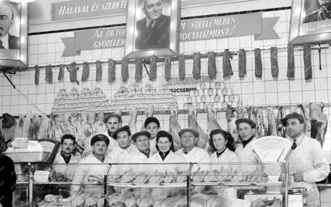 Kereskedelem - Sztahanovista KÖZÉRT üzletek
