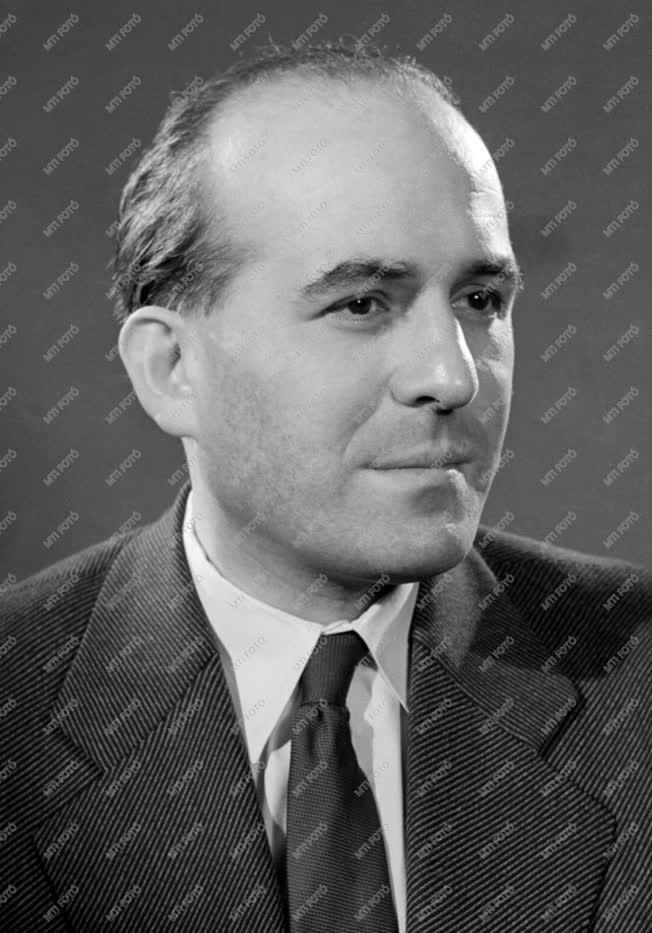 Díj - Kossuth-díjasok - Dénes Péter gépészmérnök