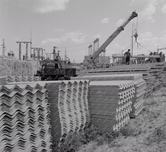 Ipar - Építőanyag árvízkárosultaknak