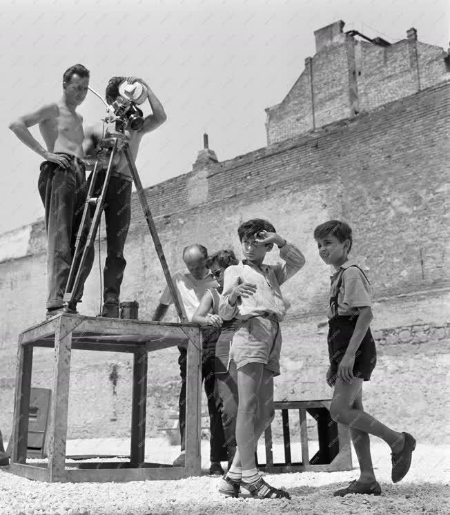 Kultúra - Forgatják a Ketten fél-lábon című filmet