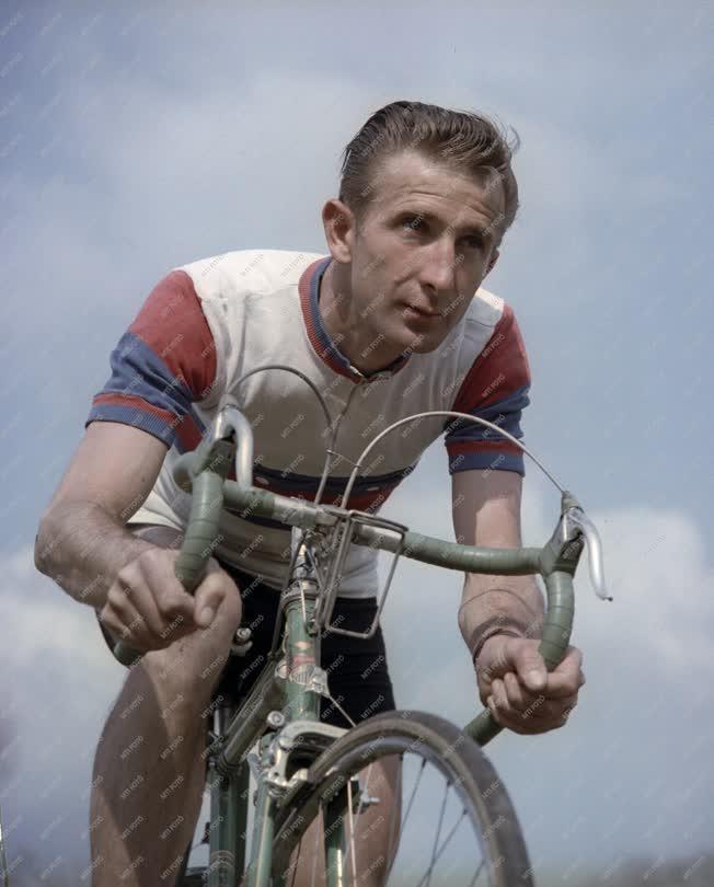 Sport - Kerékpár - Aranyi Lajos