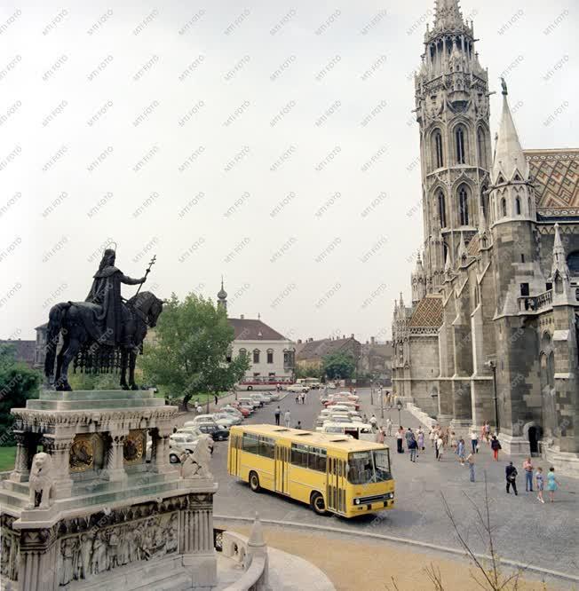 Közlekedés - Új típusú Ikarus buszok
