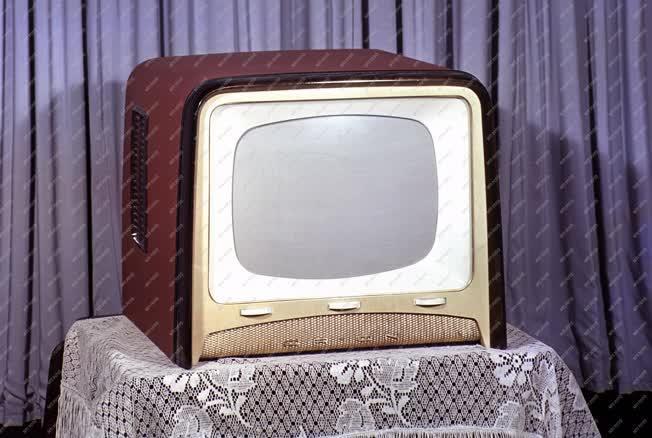 Ipar - Távközlés - Televízió