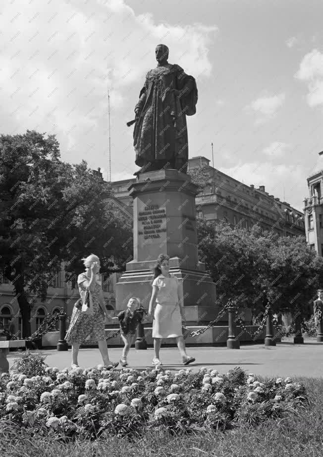 Városkép - Virágos Budapest