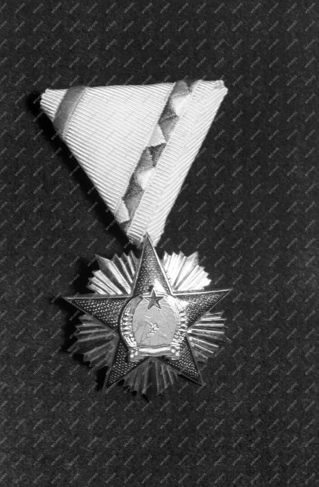 Kitüntetés - Magyar Népköztársaság Érdemrend