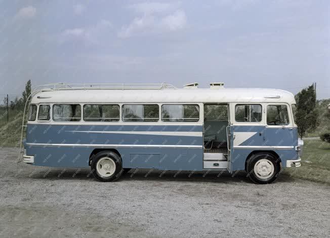 Járműipar - Ikarus autóbusz