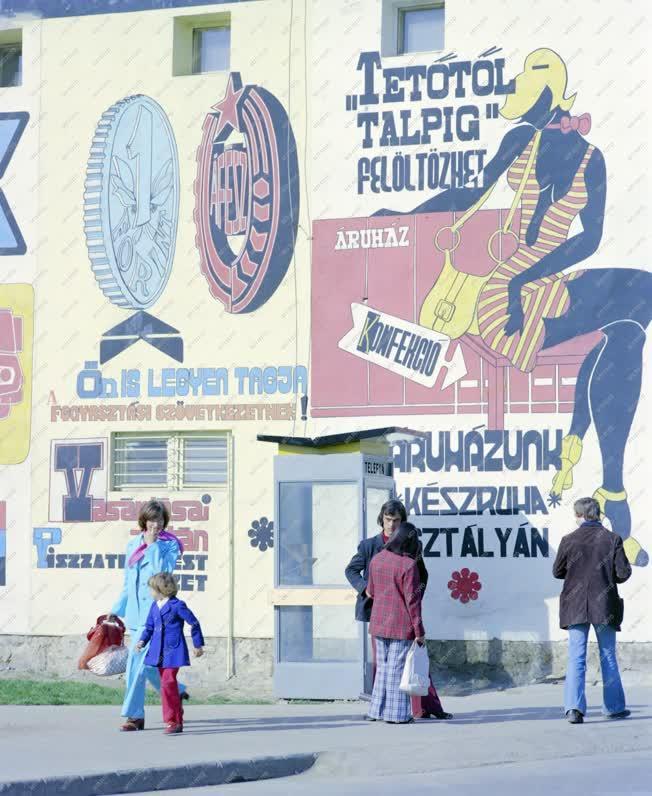 Városkép - Életkép - Bonyhádi utcakép