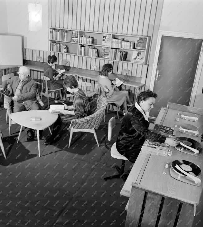 Kultúra -  Békéscsabai megyei könyvtár