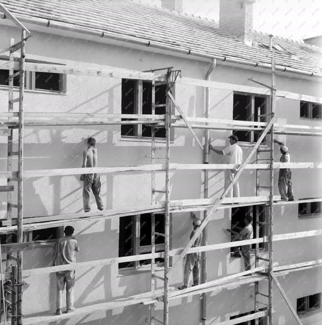 Építőipar - Épület felújítás
