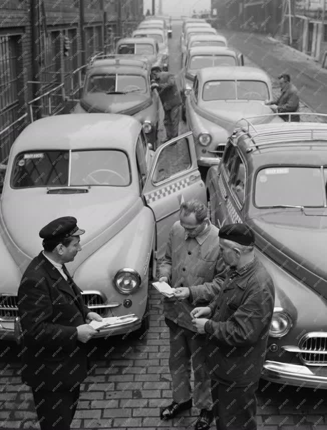 Közlekedés - Szolgáltatás - Új taxik a fővárosban
