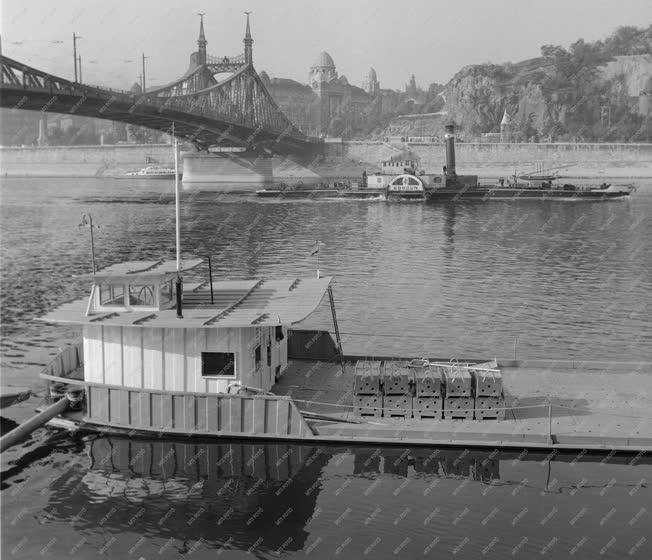 Ipar - Vízügy - Építik a Duna-partot