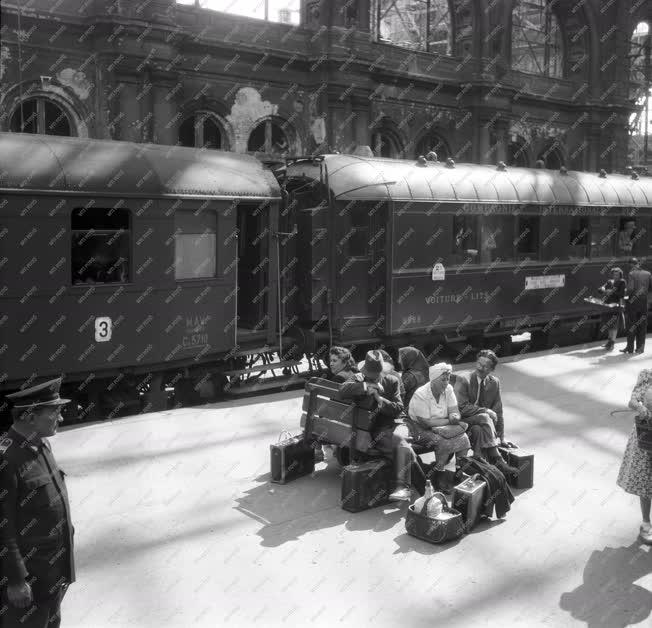 Közlekedés - Keleti pályaudvar