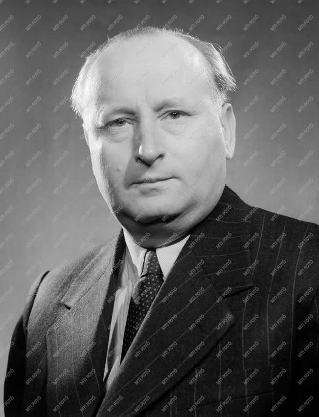 Kossuth-díjasok - Mészöly Gyula