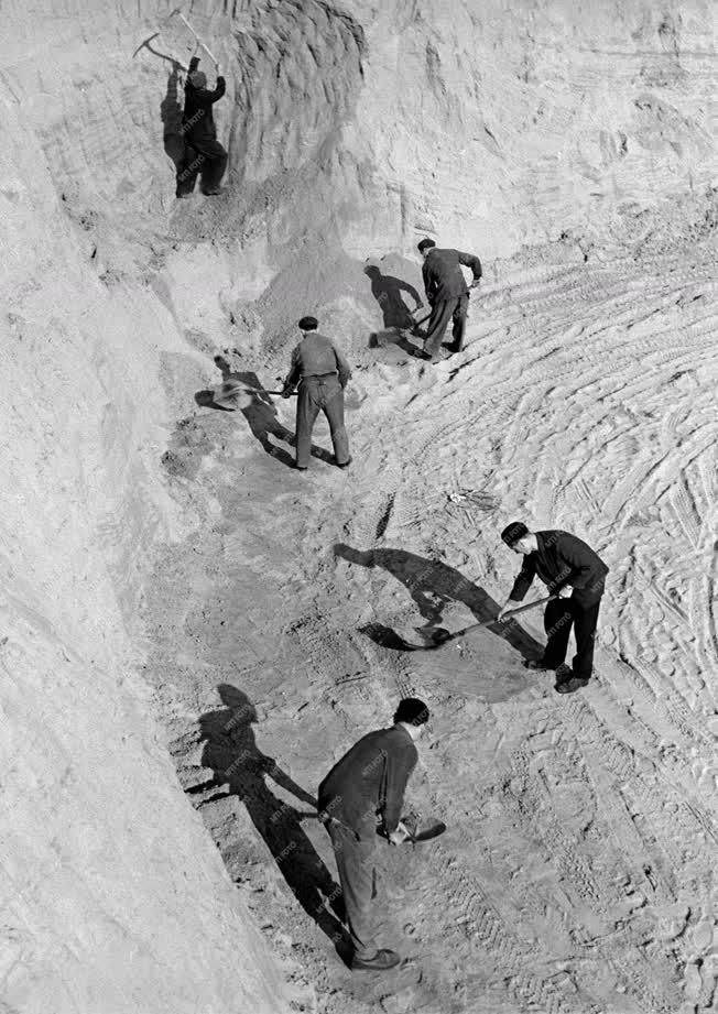Építőanyag-ipar - Váci kavics- és homokbánya