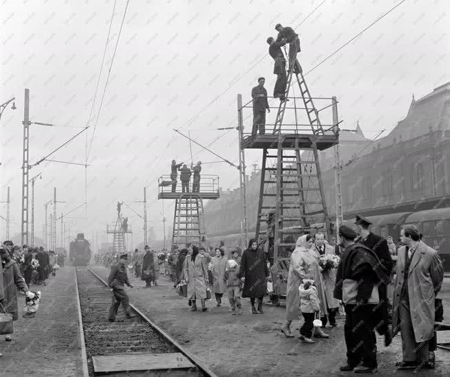 Vasúti közlekedés - Villamosítási program