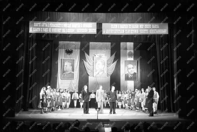 Kultúra -  Albán Filharmónia táncegyüttes