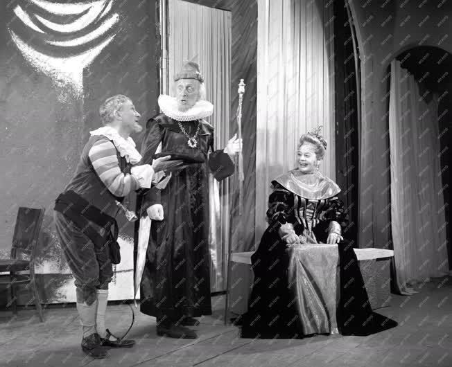 Kultúra - Színház - Shakespeare: Minden jó, ha a vége jó